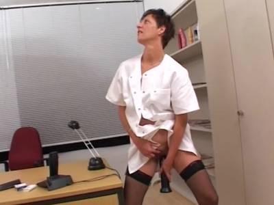 nackt an der stange
