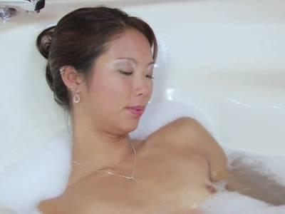 Nackt bilder frauen asiatische Cheryl nackt