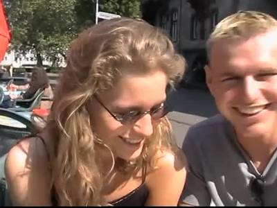 Versaute Rothaarige Nutte Spielt Mit Dildo